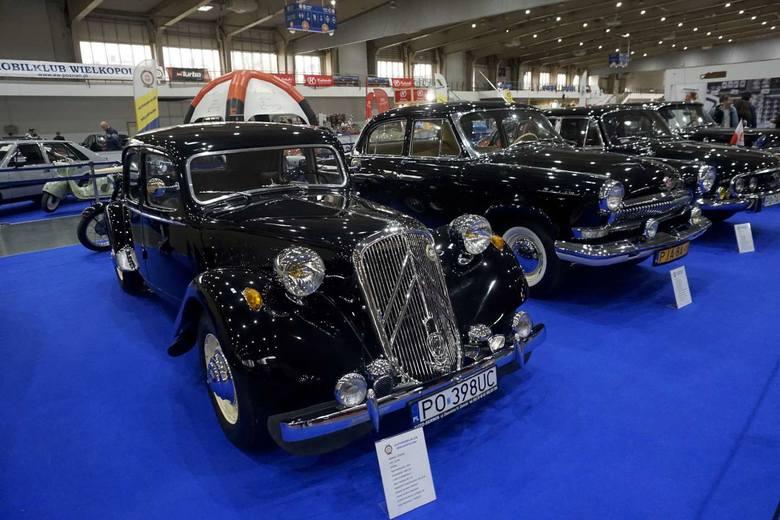 Francuski citroen BL 1954. Było to pierwsze auto na świecie z przednim napędem.