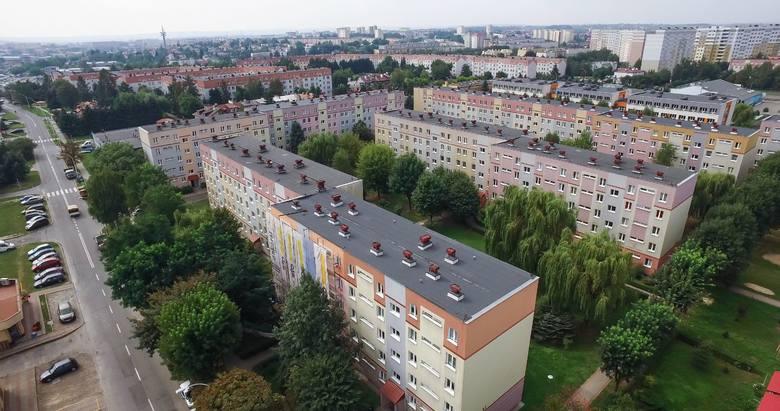 Cena za metr kwadratowy mieszkania w Rzeszowie, pomiędzy najdroższą i najtańszą dzielnicą, wynosi prawie tysiąc złotych. Dane z rynku wtórnego za drugi