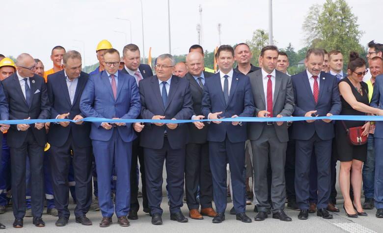 Otwarcie nowego fragmentu S17 od Kurowa do Skrudek. Premier Morawiecki jednak nie przyjechał. Zobacz zdjęcia z przecięcia wstęgi