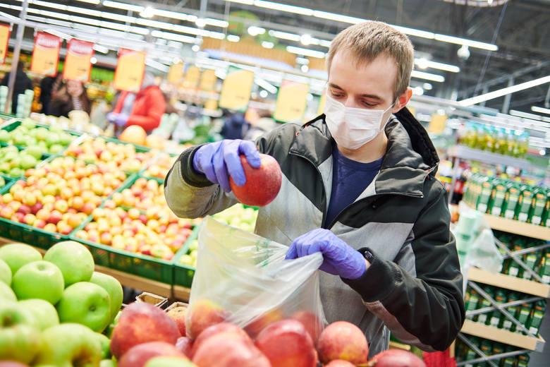 Ceny w sklepach szybują w górę: czy susza może być większą plagą niż pandemia?