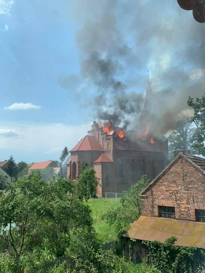 W czwartek, 20 czerwca około południa zaczął się pożar kościoła w Lutolu Suchym (gm. Trzciel)