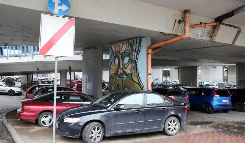 To jedno z najbardziej obleganych miejsc do parkowania w dni robocze i w czasie imprez masowych na Wałach Chrobrego