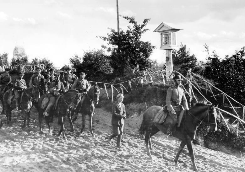 Wrzesień 1939 r. Ludność Lwowa wita Armię Czerwoną
