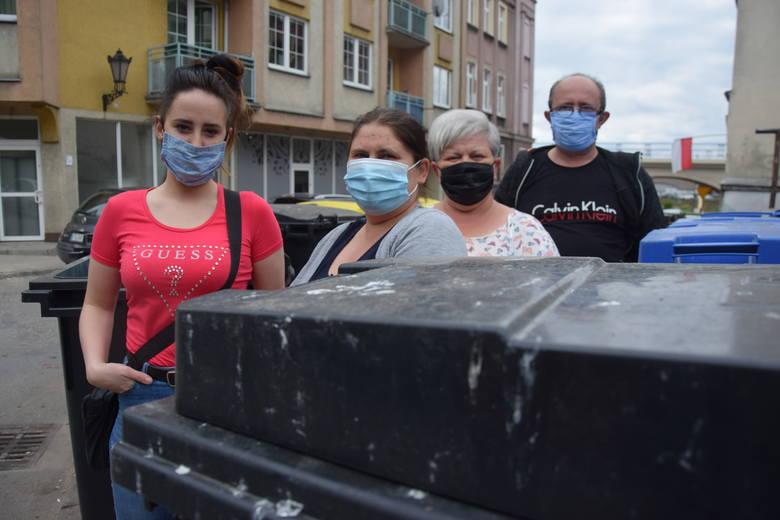 Na problem ze śmieciami mieszkańcy ul. Lutyckiej skarżą się od lat/