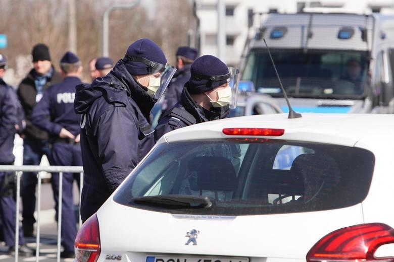 Kilka tysięcy policjantów w skali całej Polski będzie dbało o przestrzeganie przepisów przez kierowców. I nie chodzi wyłącznie o prędkość