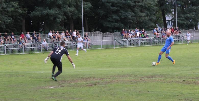 Głogovia straciła pierwsze punkty w sezonie. Lepsi okazali się piłkarze Stali II Mielec, którzy wygrali wyraźnie 3:1