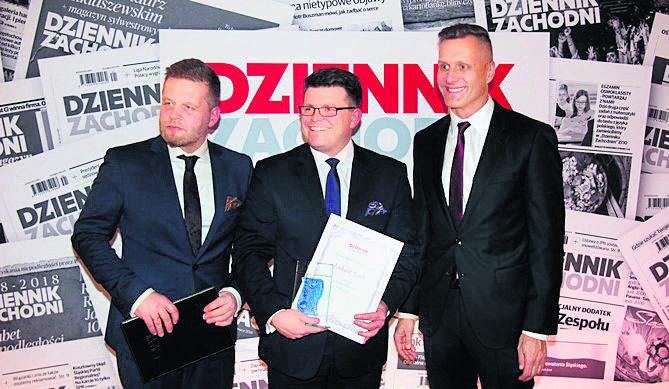 Laureat nagrody w Bytomiu, Łukasz Goik - dyrektor Opery Śląskiej, w towarzystwie Marka Twaroga, red. nacz. DZ<br /> (z lewej) i prezesa wydawnictwa Zenona Nowaka