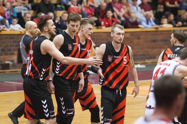 STK Czarni Słupsk - WKK Wrocław 77:71. Remis 1:1 w serii play-off