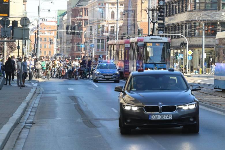 Powstaną trzy nowe strefy ograniczonej prędkości do 30 km/h na ulicach Sądowej, św. Mikołaja oraz Świdnickiej.To wprowadzenie do przyszłych rozwiązań,