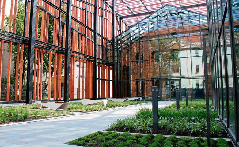 Małopolski Ogród Sztuki to niezwykły obiekt architektoniczny. Odbywają się w nim interesujące wydarzenia i takie będą też podczas ŚDM