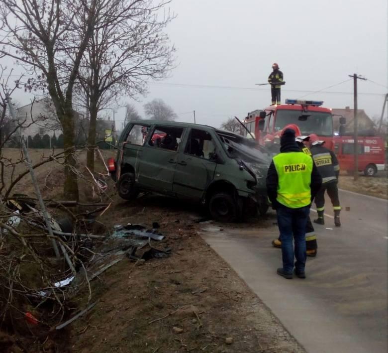 - We wtorek dyżurny żnińskiej komendy otrzymał zgłoszenie o kradzieży pojazdu w Barcinie. W pościg za sprawcą, który miał odjechać w kierunku powiatu
