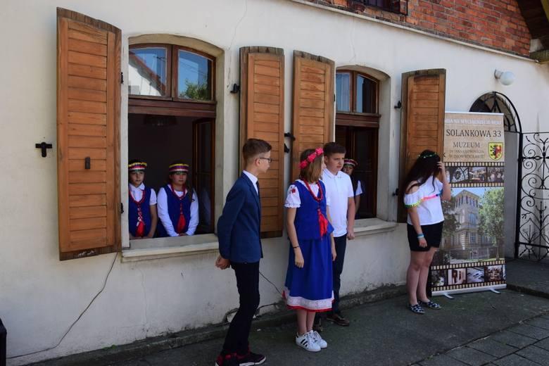 Sporo się działo w trakcie dzisiejszych imienin Jana Kasprowicza, pochodzącego z Szymborza poety, piewcy Kujaw. Uroczystości rozpoczęły się od mszy świętej