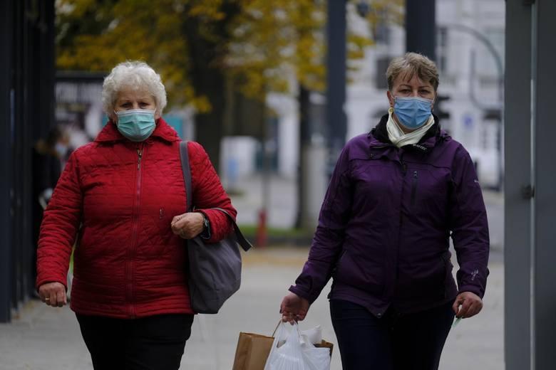 Koronawirus w Polsce: Kiedy zniesienie obowiązku noszenia maseczek na świeżym powietrzu? Minister zdrowia Adam Niedzielski odpowiada