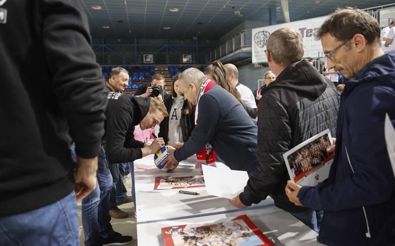 Siatkarki Developresu Rzeszów spotkały się z kibicami w hali na Podpromiu w Rzeszowie