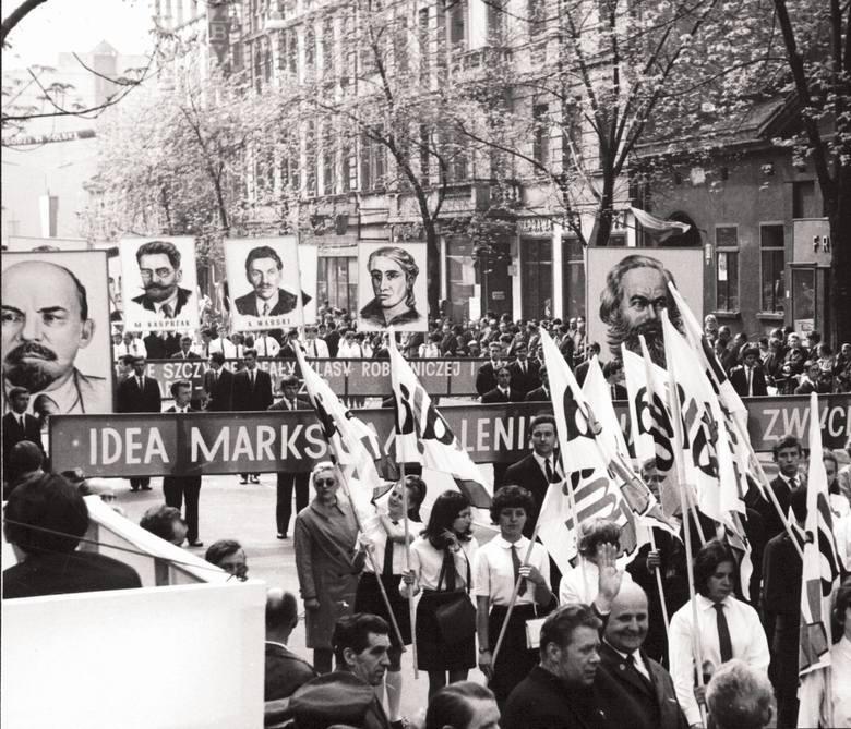 1 Maja: międzynarodowe święto klasy robotniczej od 1890 r. Ma upamiętniać wielki strajk w 1886 r. w Chicago. W Stanach Zjednoczonych ten protest robotników