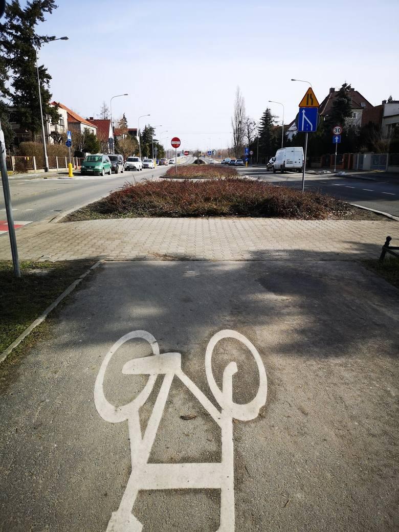Powstaną nowe ścieżki rowerowe i chodniki wzdłuż ulic Racławickiej, Skarbowców i Al. Piastów we Wrocławiu.