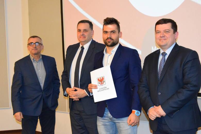 Prezydent wręczył stypendia i nagrody sportowcom z Gorzowa [WIDEO, DUŻO ZDJĘĆ, PEŁNA LISTA]