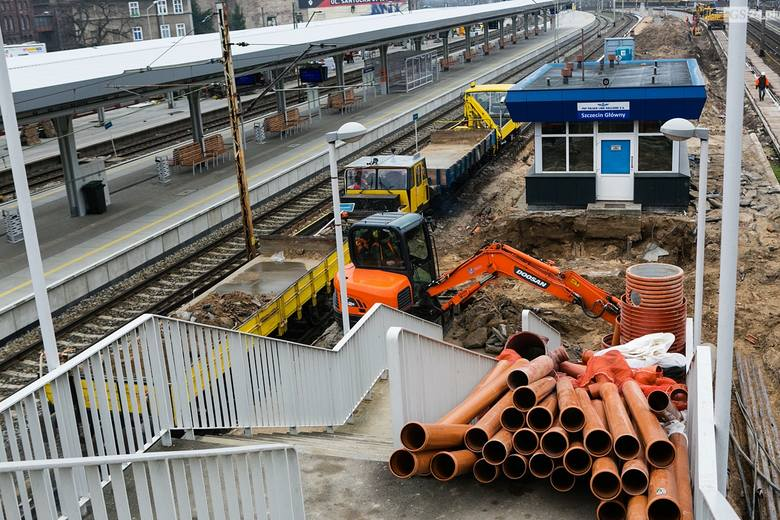 Przebudowa dworca PKP w Szczecinie. Zobacz, jak idą prace [ZDJĘCIA]