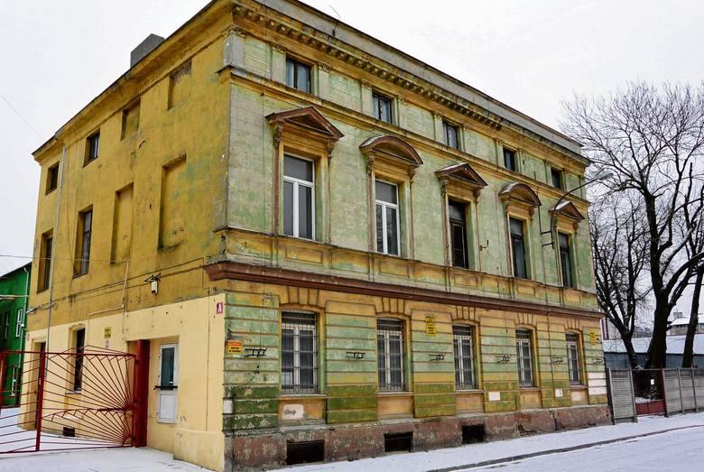 Herman Schlee zamieszkał w stylowej willi przy ul. Targowej 2, którą zbudowano około 1885 r. w stylu renesansu włoskiego i rozbudowano około 1911 r.