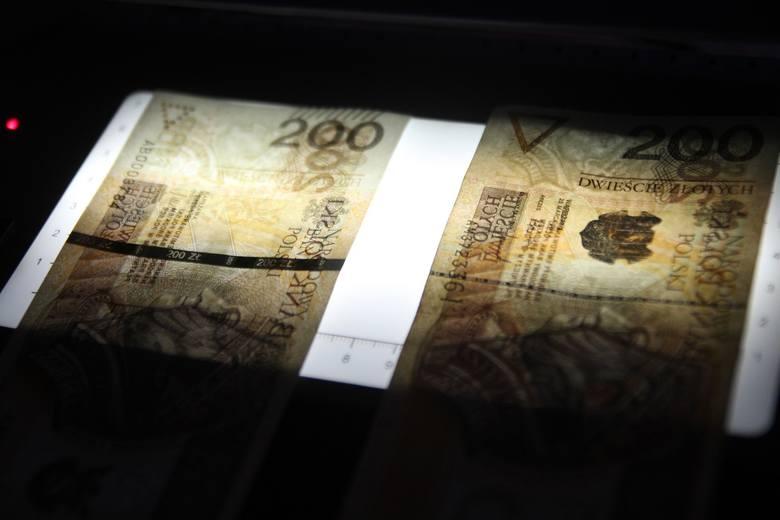 Jak podkreśla portal spidersweb.pl, opłaty za depozyty w bankach to nic nadzwyczajnego. Ujemne oprocentowanie jest na porządku dziennym na przykład w