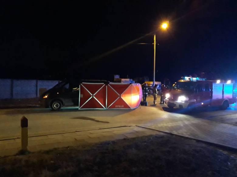 Na ul. Grunwaldzkiej w Jaśle samochód dostawczy potrącił kobietę.