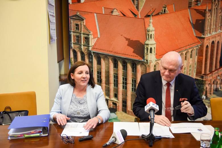 Wicedyrektor Wydziału Edukacji UM Katarzyna Nowicka-Skuza i prezydent Michał Zaleski