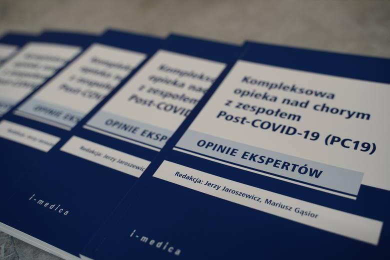 Naukowcy z SUM napisali unikatową książkę o leczeniu Post-COVID19 Zobacz kolejne zdjęcia. Przesuwaj zdjęcia w prawo - naciśnij strzałkę lub przycisk