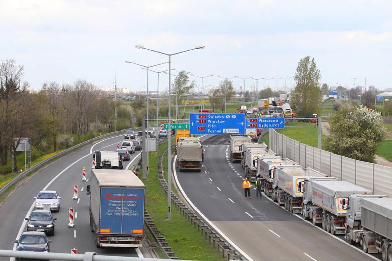Na razie w Wielkopolsce można korzystać z niewielkich fragmentów drogi ekspresowej S11. To np. część obwodnicy Poznania.