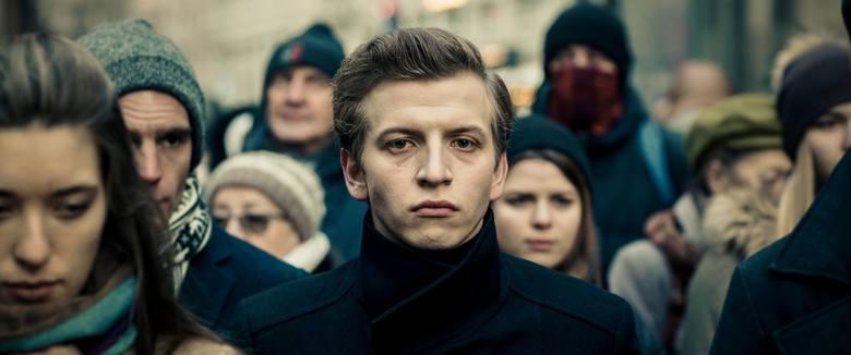 """""""Sala samobójców. Hejter"""": reżyser Jan Komasa (nominowany do Oscara za """"Boże Ciało"""", tryumfator Orłów 2020, twórca """"Sali samobójców"""" i """"Miasta 44"""") tym"""