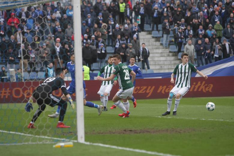 W meczu 23. kolejki II ligi Olimpia Grudziądz pokonała na wyjeździe Ruch Chorzów 2:1 (2:0). Obie bramki dla biało-zielonych strzelił Przemysław Kita
