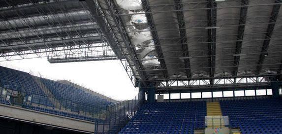 Kraków. Siódma rocznica zawalenia części dachu na stadionie Wisły. Do dziś nie naprawiono usterki [ZDJĘCIA]