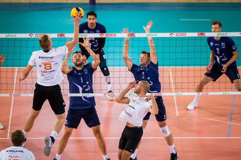 Siatkarze BKS Visła Bydgoszcz rozegrali pierwszy sparing. Pokonali Krispol Września 3:1 (25:21, 25:17, 21:25, 25:16). W środę rewanż we Wrześni.Na kolejnych