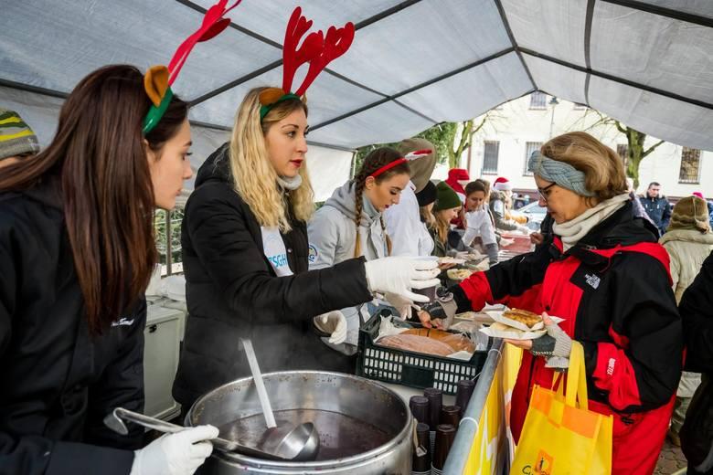 W sobotę na Rynku w Starym Fordonie odbyło się Wigilia dla mieszkańców Fordonu. W świątecznym spotkaniu wzięło udział ponad stu bydgoszczan. Na mieszkańców
