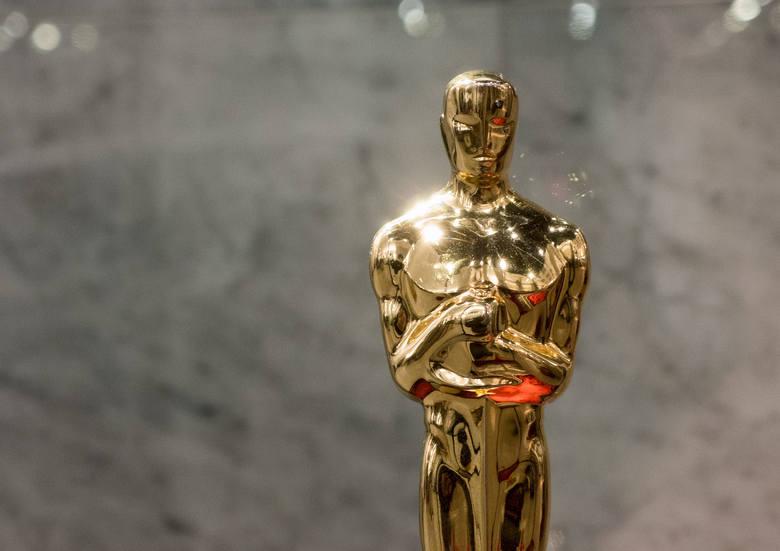 Wybory najlepszego filmu, dokonywane przez Amerykańską Akademię Filmową, nie zawsze cieszą publiczność. Historia Oscarów wielokrotnie udowodniła, że
