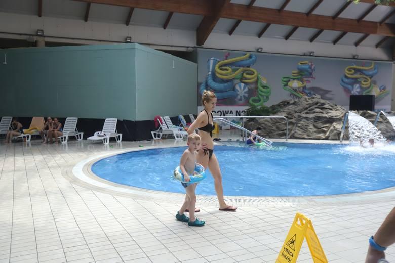 """Na """"Fali"""" tłumów nie było. Do godz. 16 aquapark odwiedziło nieco ponad 500 osób."""