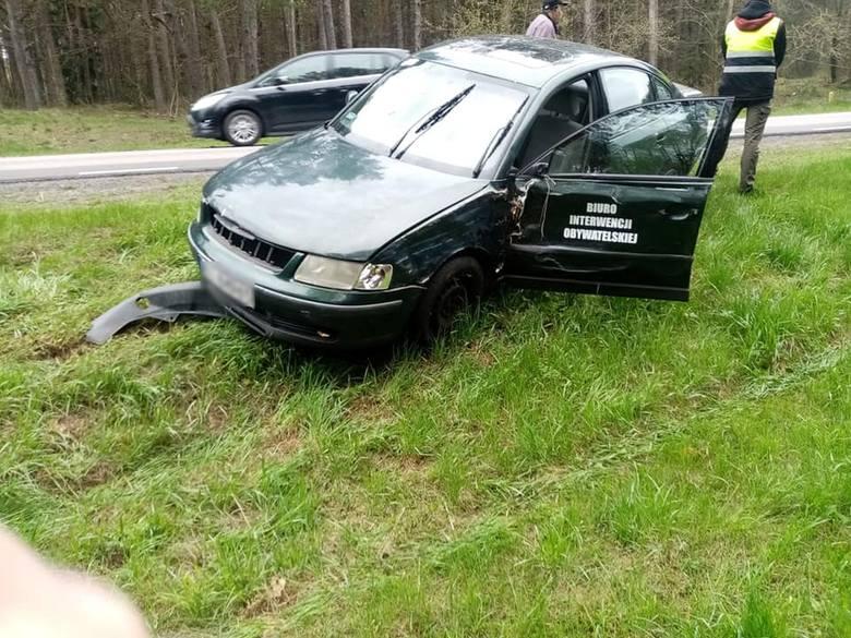 Niedoszły prezydent Białegostoku miał wypadek. Jego samochód uderzył w drzewo! Major Suchodolski pokazuje nagranie