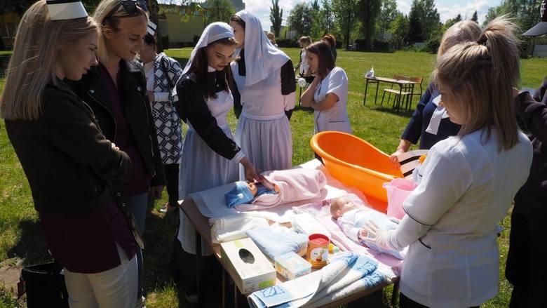 W poniedziałek w Państwowej Wyższej Szkole Zawodowej w Koszalinie zorganizowane zostały obchody Międzynarodowego Dnia Pielęgniarki. Jednym z punktów