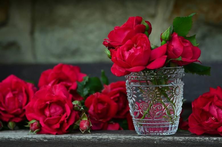 Oprócz wierszyka wspaniałym prezentem będą kwiaty.