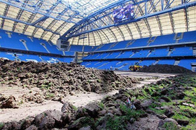 To już ósma zmiana murawy na stadionie przy Bułgarskiej - kosztuje 450 tysięcy złotych