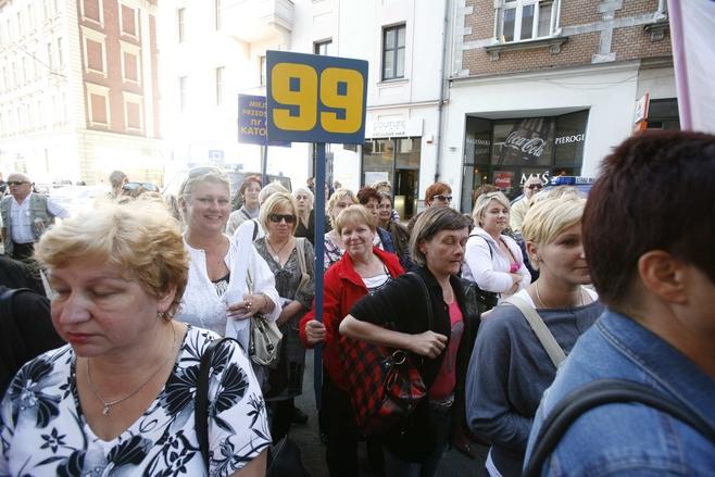 Pikieta pracowników oświaty przed Urzędem Miasta w Katowicach [ZDJĘCIA]