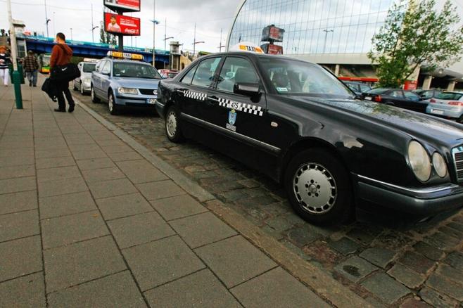 Poznań: Taxi? Stay cautious!