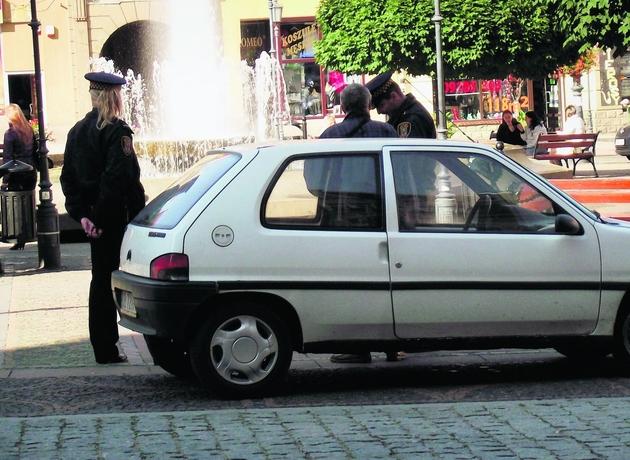 Kierowcy parkujący w Rynku muszą się liczyć z mandatami
