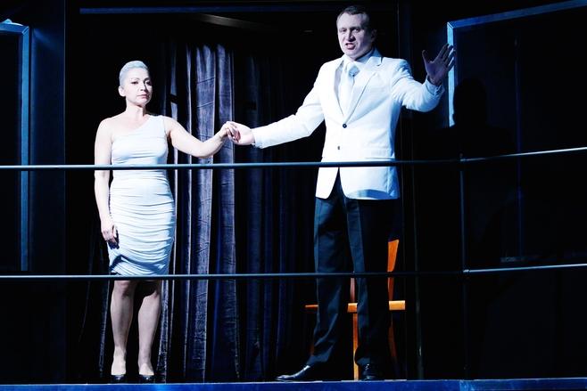 """Zdjęcia ze spektaklu """"Hamlet"""" w Teatrze Polskim, premiera 27 marca 2012 r."""