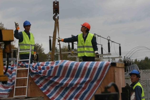 Robotnicy z Chin budują fabrykę w Rybniku. Teraz czas na inwestorów z Państwa Środka