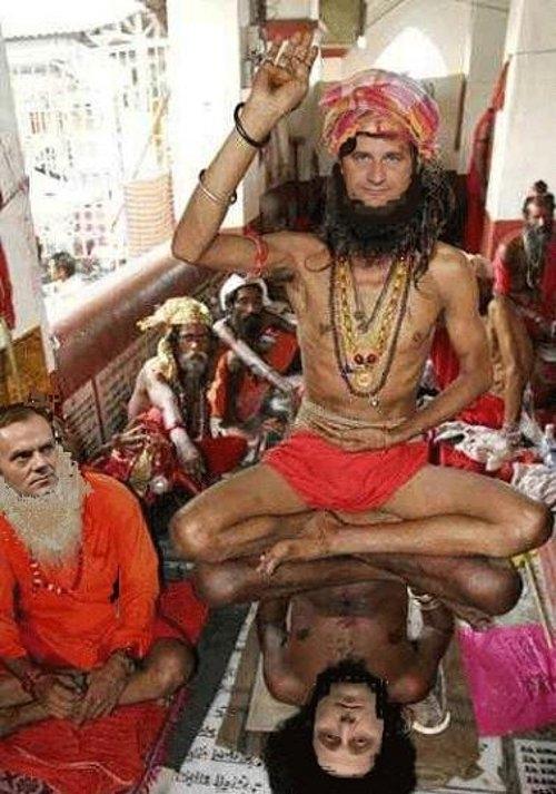 Święto Sziwy nad Gangesem. Zdjęcie pochodzi z blogu Janusza Palikota. Poseł wybrał się do Indii w ubiegłym tygodniu. Prawie codziennie - aż do niedzieli