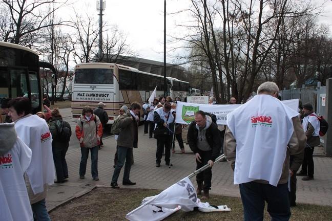 Związkowcy z Wielkopolski na manifestacji w Warszawie [ZDJĘCIA, RELACJA]