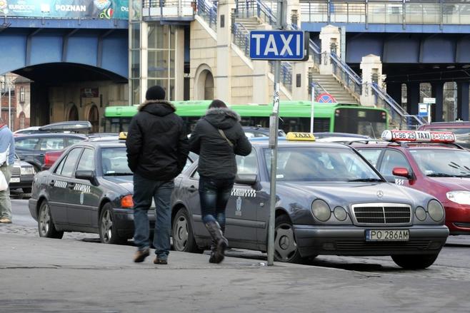 Poznań: Taksówka w sylwestra? Trwają już zapisy