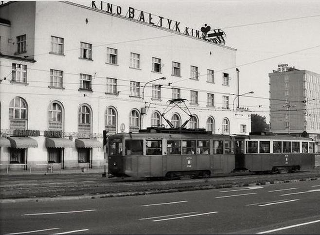 Kino Bałtyk - powstało w 1929 roku, początkowo nosiło nazwę Kino Stylowe. Dla poznaniaków kino kultowe. Zamknięte w lipcu 2002 r. Budynek, w którym znajdowało
