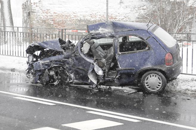 Wypadek pod Oleśnicą na drodze Wrocław - Warszawa (ZDJĘCIA)