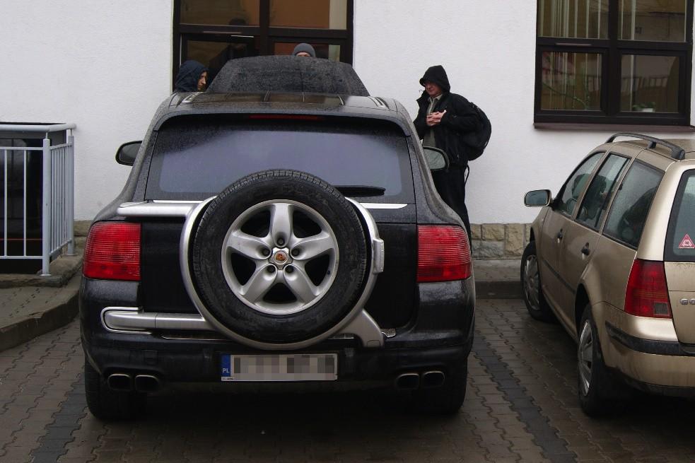 Skarb wka zlicytowa a porsche najbogatszego g rala for Porsche ka che